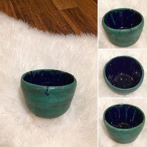 🦋2/$10 3/$15 4/$18 5/$20 Vintage Pottery Bowl